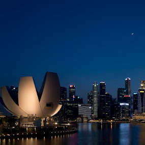 Singapore Marina Bay sunset  by Foo Fok - Landscapes Sunsets & Sunrises