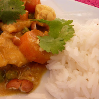 Quick Chicken Curry with Peanuts.