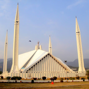 Worlds 6th Largest Mosque :) by Muhammad Ali - Buildings & Architecture Public & Historical