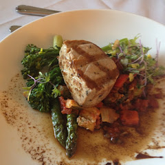 Grilled tuna with vegetables