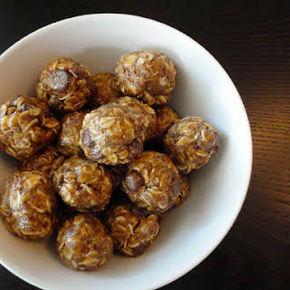 No Bake Oatmeal, Peanut Butter, Chocolate Chip Balls.