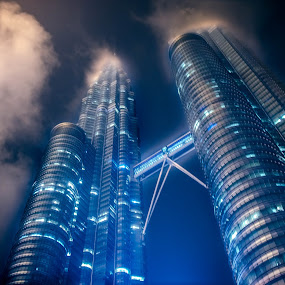 KLCC Twin Towers by Mohammad Hisham Abd Zamhuri - Buildings & Architecture Architectural Detail (  )