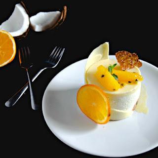 {White Chocolate Passion Fruit Cake} - Tort cu mousse de ciocolata alba si fructul pasiunii.