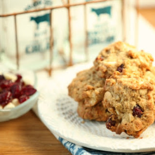 Oatmeal, Cranberry, White Chocolate Cookies {Low Calorie, Low Fat}.