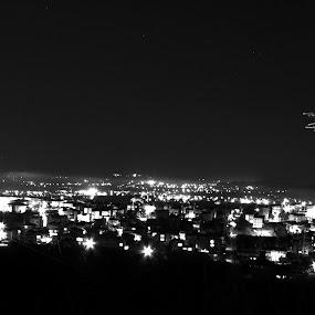 Black & White night by Suaib Akhter - Black & White Landscapes ( sakarya city, sakarya university turkey, night city, night, nightshoot, nightscape )