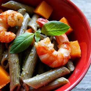 Noodle with Shrimp and Pesto Sauce / World Pasta Day