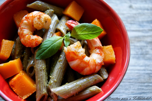 Noodle with Shrimp and Pesto Sauce / World Pasta Day Recipe