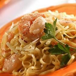 Shrimp with Garlic Cream Sauce Over Linguine Recipe