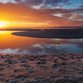 End of summer by Jose María Gómez Brocos - Landscapes Sunsets & Sunrises ( water, clouds, sand, sky, sunset, sea, beach, sun )