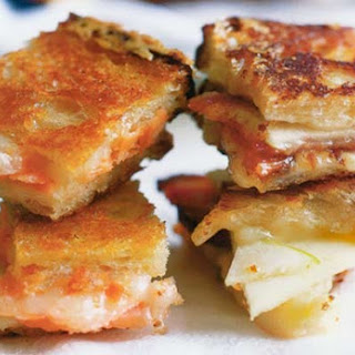 Cheddar, Bacon and Apple Grilled Cheese Sandwich.