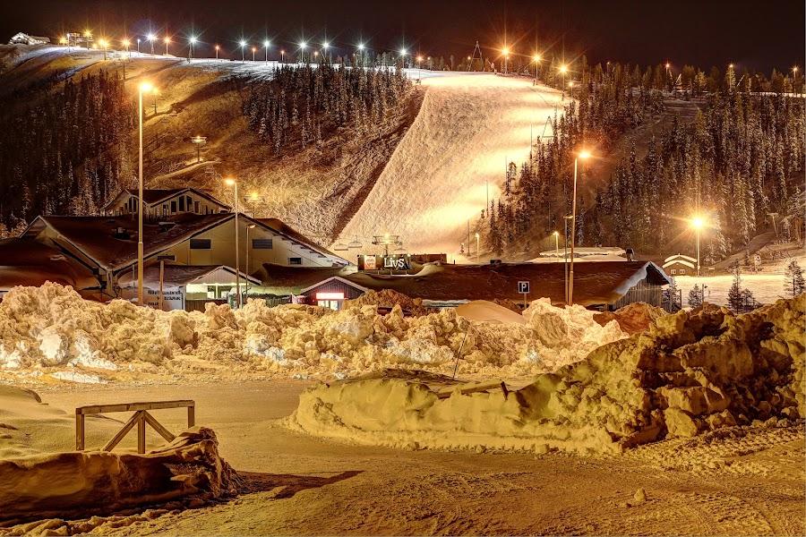 Ski slope by Åke Algotsson - Uncategorized All Uncategorized ( ski, snow, slop,  )