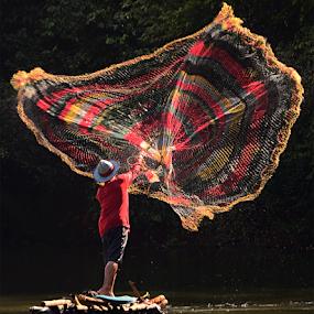 Nelayan by Doeh Namaku - People Professional People