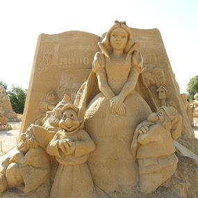 Sandy Fairytale by Pipia Kanjeva - Artistic Objects Still Life ( #snowhite, #sand, #dwarves, #scultpure, #fairytale,  )