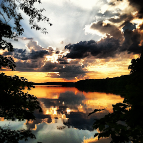 Clearfork Sunset by Chuck Hagan - Instagram & Mobile iPhone ( clouds, sunset, lakes, clearfork, , golden hour, sunrise, Earth, Light, Landscapes, Views, renewal, green, trees, forests, nature, natural, scenic, relaxing, meditation, the mood factory, mood, emotions, jade, revive, inspirational, earthly )