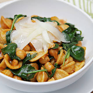 Orecchiette with wilted spinach, chickpeas and Pimentón.