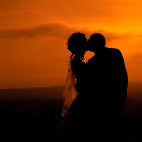 Kiss of Fire by Vasiliu Leonard - Wedding Bride & Groom ( wedding photography, wedding, fotograf iasi, bride, groom, nunta,  )