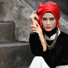 Cinta Rarung #3 by Bambang Leksmono - People Portraits of Women
