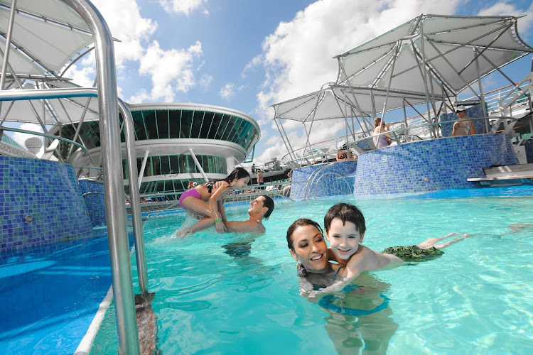There's plenty of family fun in the sun at Grandeur of the Seas' main swimming pool.