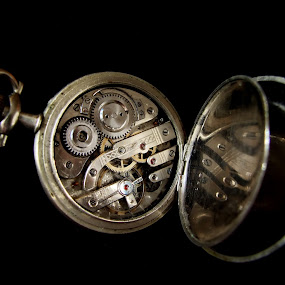 Old watch by Zoran Nikolic - Artistic Objects Antiques