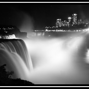 Niagara Falls by Eli Ditmore - Travel Locations Landmarks ( niagara falls, waterfall,  )