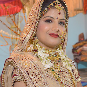 by Varun Jain - Wedding Bride ( colour, food, wedding, bride, people )