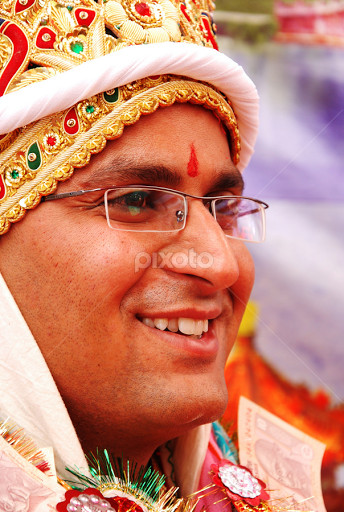 Indian style : A Sindhi Groom | Groom | Wedding | Pixoto