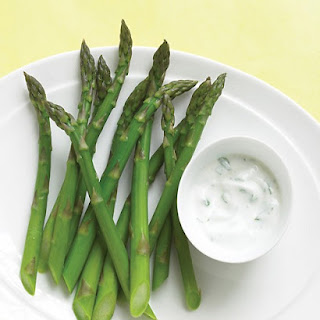 Asparagus with Yogurt Dip