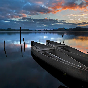 Amazing Dawn by Paulo Penicheiro - Landscapes Sunsets & Sunrises ( water, dawn, low light, lake, pateria, sunrise, portugal,  )