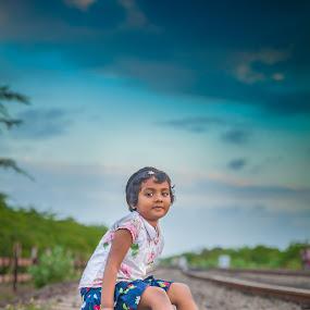 misty blue by Shaik Mohaideen - Babies & Children Children Candids ( railroad, children, india, candid, chennai, tamilnadu )