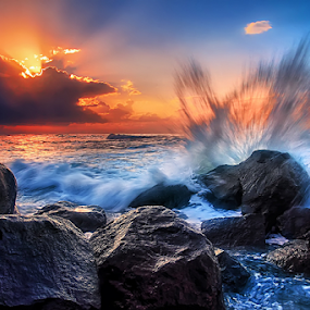 blasting sunrise by Raung Binaia - Landscapes Waterscapes
