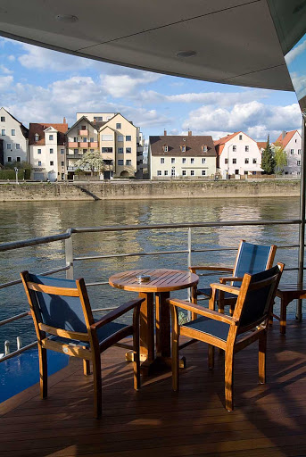 AmaLegro-Panoramic-Lounge-Patio - AmaLegro's Panoramic Lounge Patio is the ideal place to settle back and enjoy the expansive scenery of France's waterside villages and landscapes along the Seine.