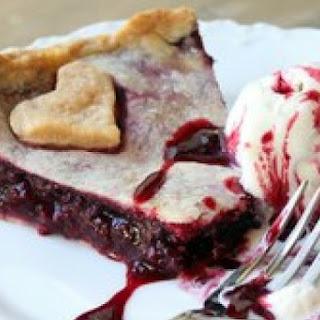 Warm Blackberry Pie Sundaes