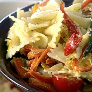 Bowtie Pasta with Roasted Red Pepper Sauce Recipe