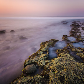 Morning in Karanghawu by M. Tuflichun Alfath - Landscapes Waterscapes ( water, pantai, indonesia, west java, beach, sunrise )