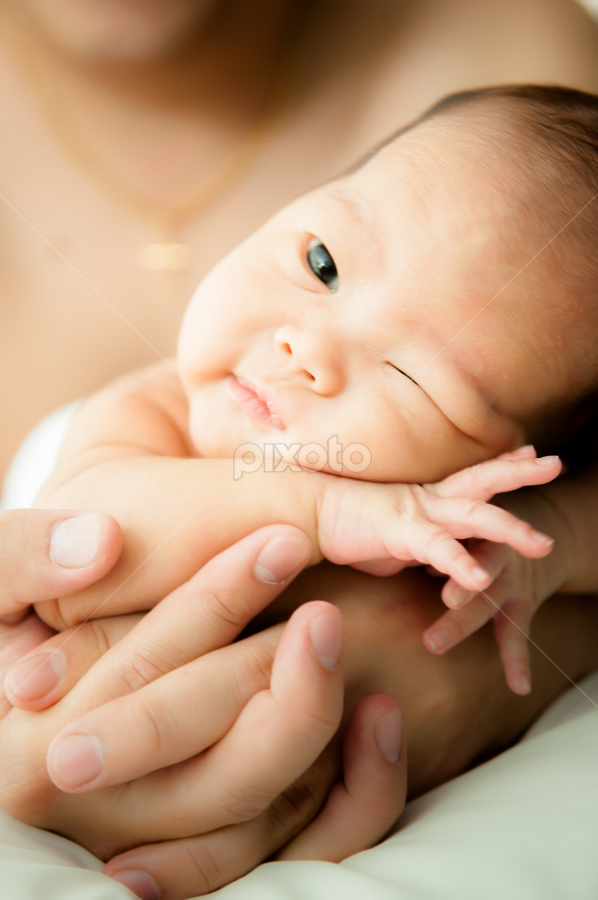 Let's wink...  by Elf's Photography - Babies & Children Babies ( elfsphotography, wink, baby, baby boy )