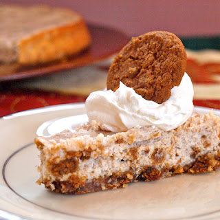 Gingersnap Cookies & Cream Cheesecake.