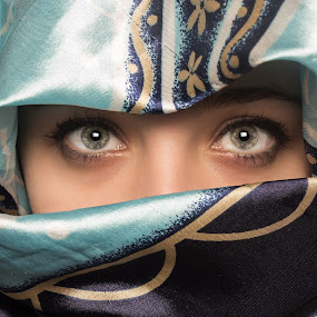 Can you see me ? by Стефан Вукићевић - People Portraits of Women ( eyes can you see me )
