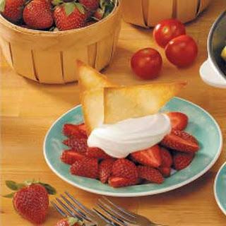 Strawberries with Crisp Wontons