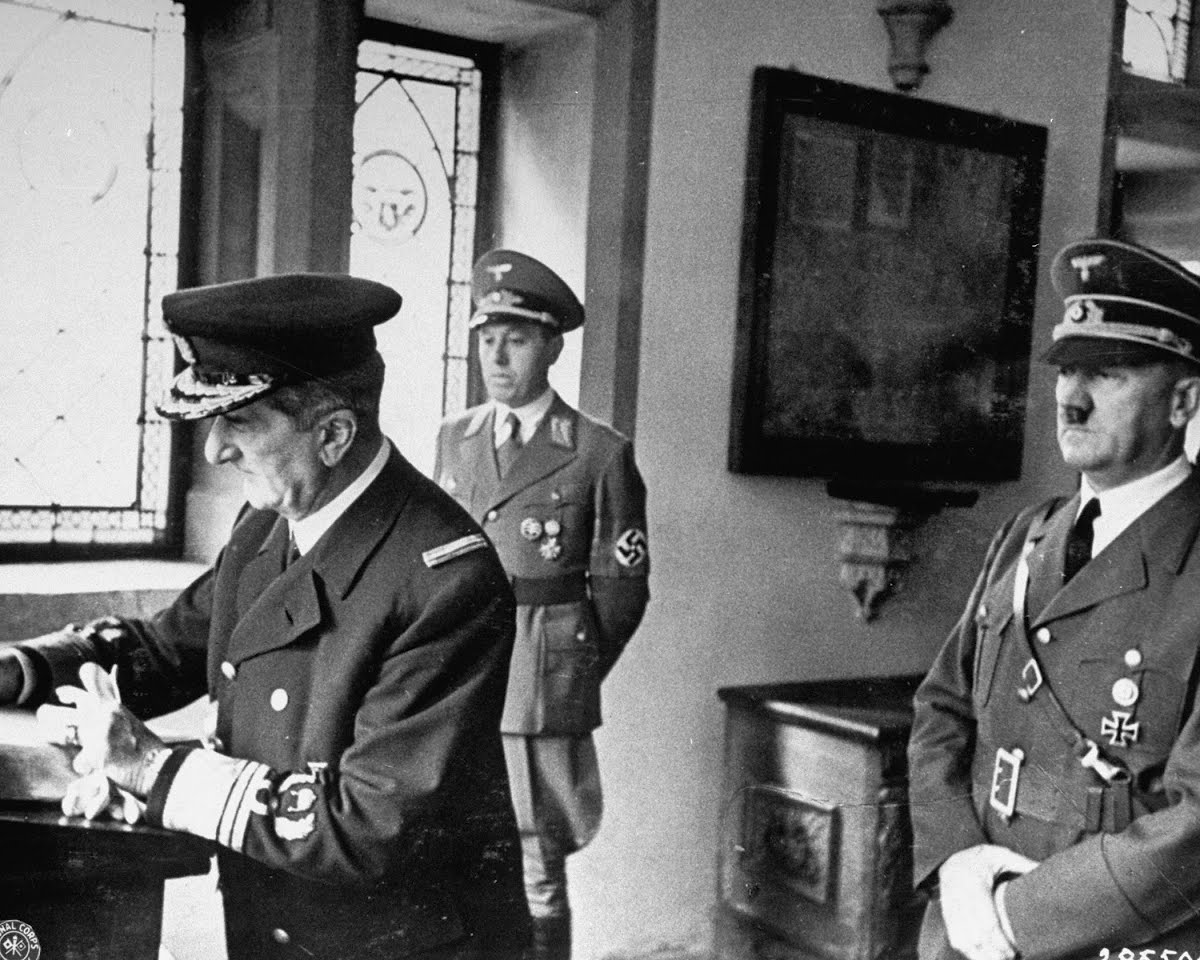 an introduction to the life of a german political and military leader adolf hitler