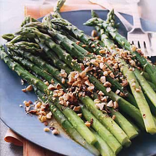 Asparagus with Orange Dressing and Toasted Hazelnuts