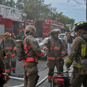 the whole battlion coming behind us by David Chu - People Street & Candids ( @go4david @toronto fire,  )