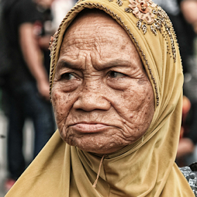 si Mbah by Mas Bagus - People Portraits of Women ( human interest )