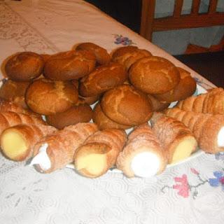 Cuerno de Crema Pastelera y Merengue.