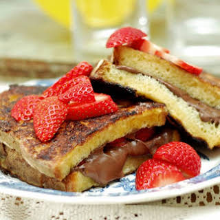 Nutella Stuffed French Toast.