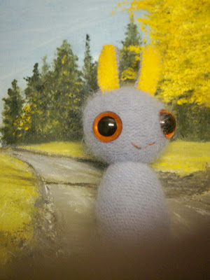 Hey get out of the way! I'm trying to get a photo of our little Starbrite! Isn't she sweet?  *SOLD*