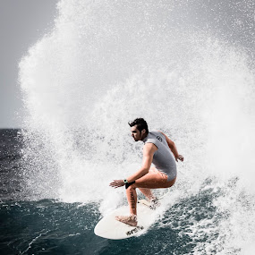 off-shore by Guy Henderson - Sports & Fitness Surfing ( surfing, sea, big waves, surf,  )