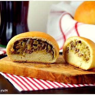 Bierocks – Volga-German Meat Pastries -Wolgadeutsche Fleischpasteten.