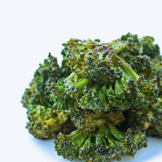 Spicy Sriracha Roasted Broccoli – Low Carb and Gluten Free.
