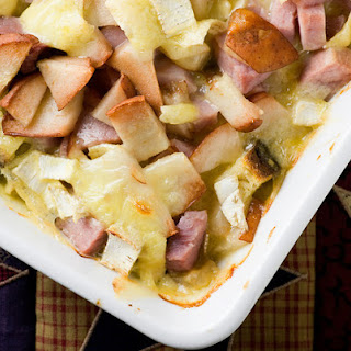 Ham, Brie and Pear Bake