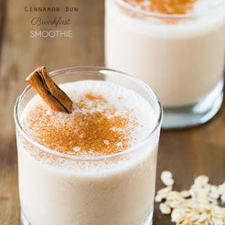Cinnamon Bun Breakfast Smoothie
